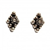 HPSilver: Silver Stud Earrings (emm-er-018)