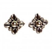 HPSilver: Silver Stud Earrings (emm-er-020)
